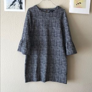 {Banana Republic} - XL- Bell Sleeve Shift Dress